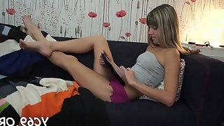 Cunni and deep insertion teen feature 7
