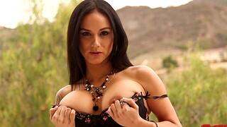 Nice interracial dealings with kinky brunette wife Nadia Styles